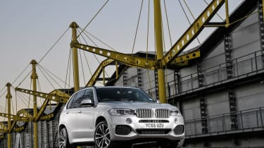 BMW X5 40e - front static
