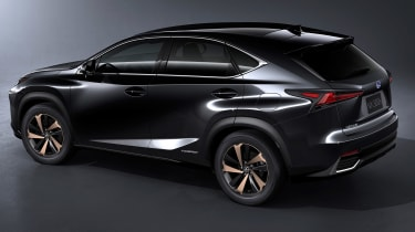 Lexus NX300 - studio profile grey