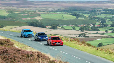 Honda Civic Type R, Ford Focus RS, SEAT Leon Cupra 300 - on road