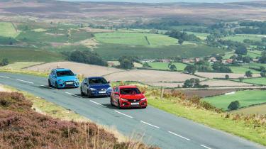 Honda Civic Type R, Ford Focus RS, SEAT Leon Cupra 300 - on road