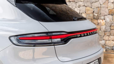 Porsche Macan S driven - Crayon rear lights