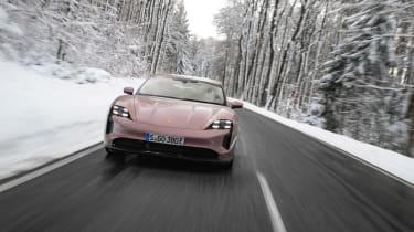Porsche Taycan rwd - pink tracking
