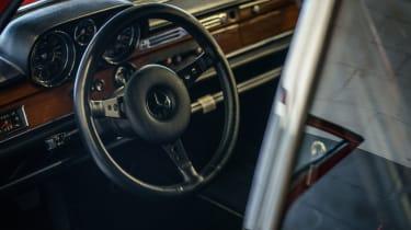 Mercedes-Benz 300 SEL 6.8 AMG 'Rote Sau' - Interior