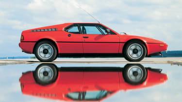 BMW M1 – side