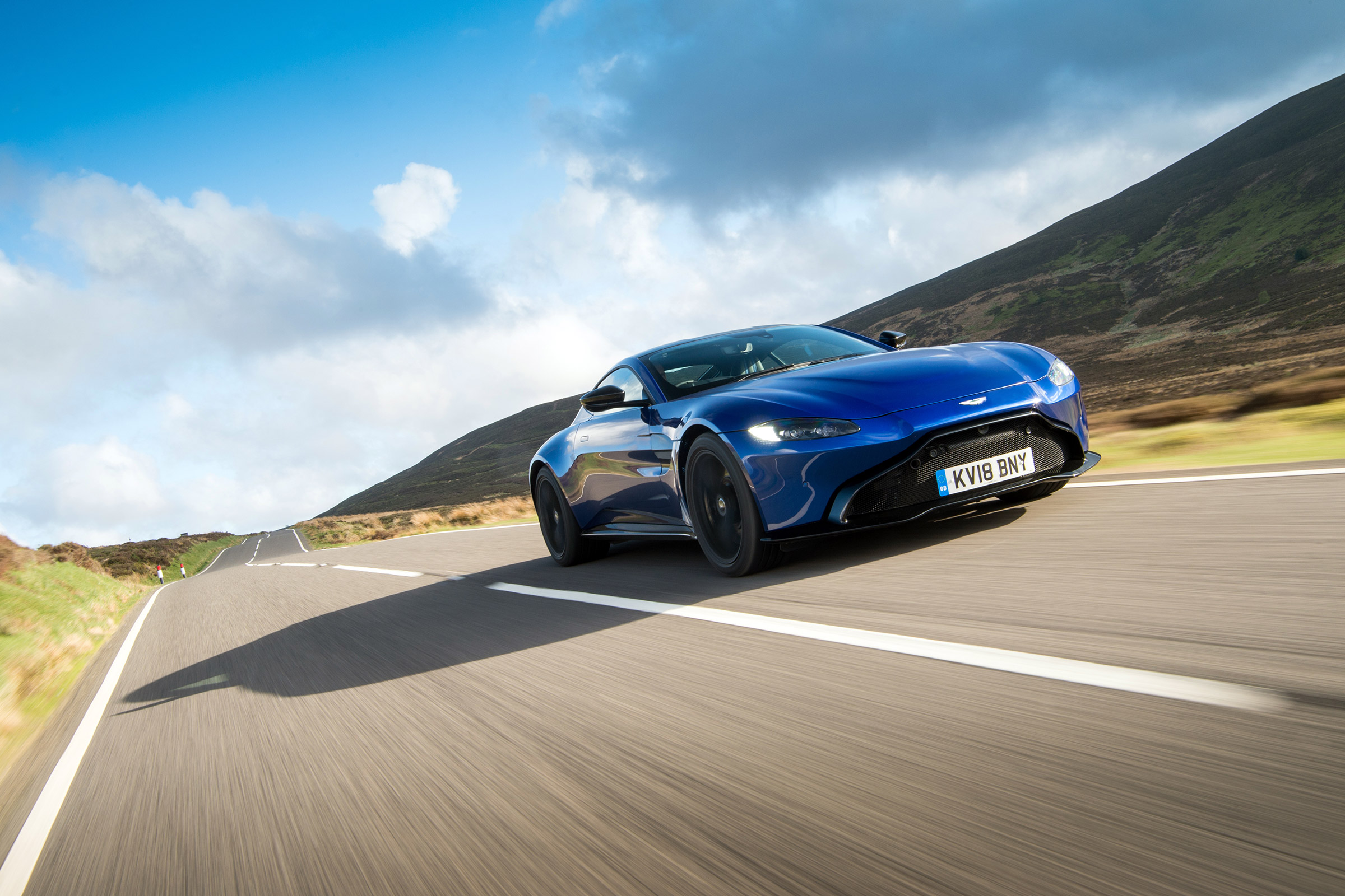 Aston Martin Vantage Review Mpg And Running Costs Evo