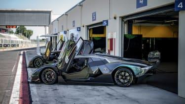 Lamborghini Essenza SCV12 – paddock