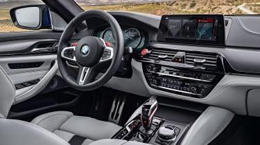BMW M5 F90 - Blue front detail
