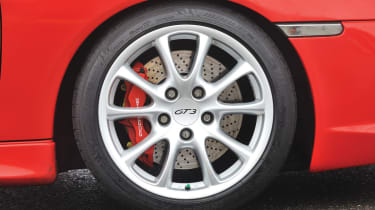 Porsche 911 GT3 996 wheel
