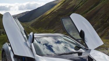 BMW i8 doors