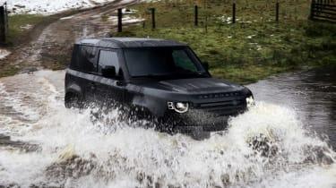 Land Rover Defender V8 MY22 - off road
