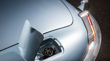 Jaguar E-type Zero charger