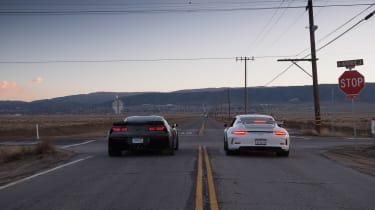 ZO6 v 911 GT3 US - stop sign rear