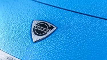 Volvo P1800 Cyan Racing – badge