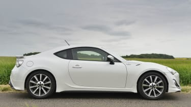 Toyota GT86 TRD white side profile
