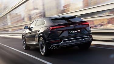 Lamborghini Urus – dynamic shot – rear quarter