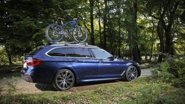 BMW 530d xDrive Touring bike