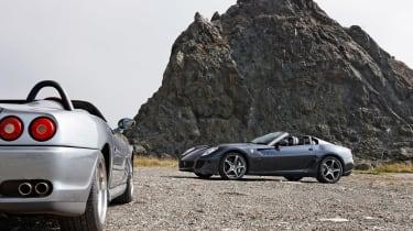 Ferrari 599 SA Aperta - rocks