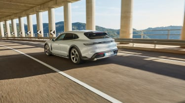 Porsche Taycan Cross Turismo - 4S rear tracking
