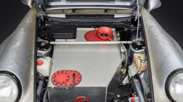 Porsche 911 Carrera RSR - front boot