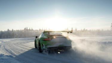 Porsche 911 GT3 RS snow - rear