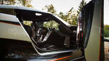 Koenigsegg One:1 - interior