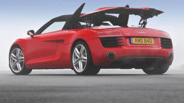 Audi R8 V8 Spyder roof in action