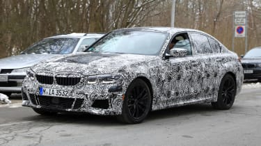 G20 BMW 3-series spy - front quarter