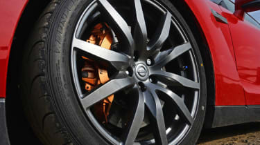 2013 Nissan GT-R alloy wheel