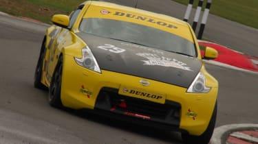 Dunlop SportMaxx Nissan 370Z