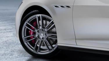 New Maserati Ghibli alloy wheel front vents