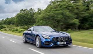 Mercedes-AMG GT Roadster - 2021 tracking