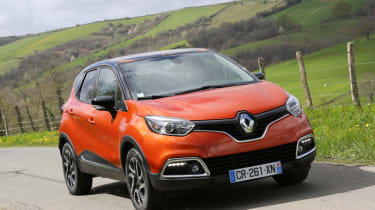 2013 Renault Captur orange front