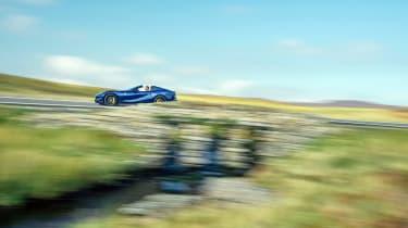 Ferrari 812 GTS TDF blue - pan