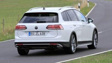 Golf R Estate 2020 spied - rear