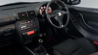 SEAT Leon Cupra R interior