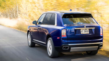 Rolls-Royce Cullinan  rear tracking