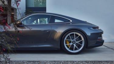 Porsche 911 GT3 Touring – rear profile