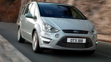 Ford S-MAX front action