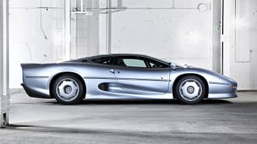 213mph Jaguar XJ220: With a turbocharged version of the Metro 6R4's V6 engine, the XJ220 wasn't quite what everyone was expec