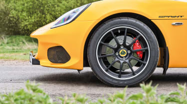 Lotus Elise Sprint 220 - wheel closeup