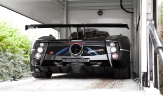 Pagani Zonda 760RS - rear in truck