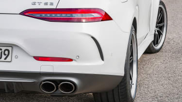 Mercedes GT 53 4-door - pipes