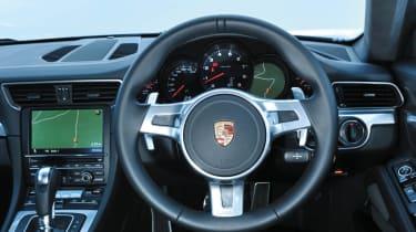 Porsche 911 Carrera group test interior