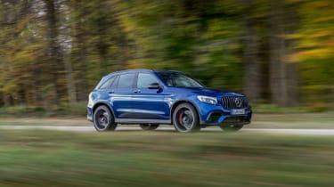 Mercedes-AMG GLC 63 S - side driving