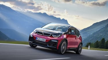 BMW i3s - driving front 3