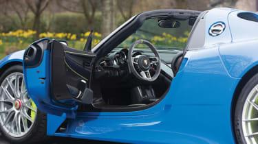 Porsche 918 Spyder - Interior