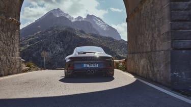 Porschre 911 GT3 Touring – rea