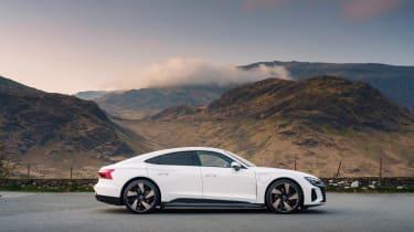 Audi e-tron GT quattro – side static