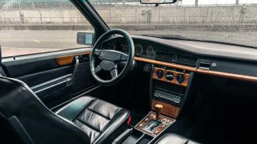 Mercedes-Benz 190E 3.2 AMG - Interior