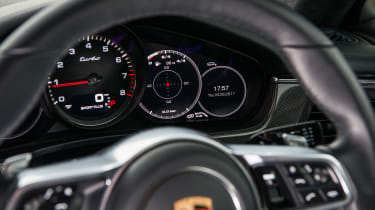 Porsche Panamera Turbo - Dials